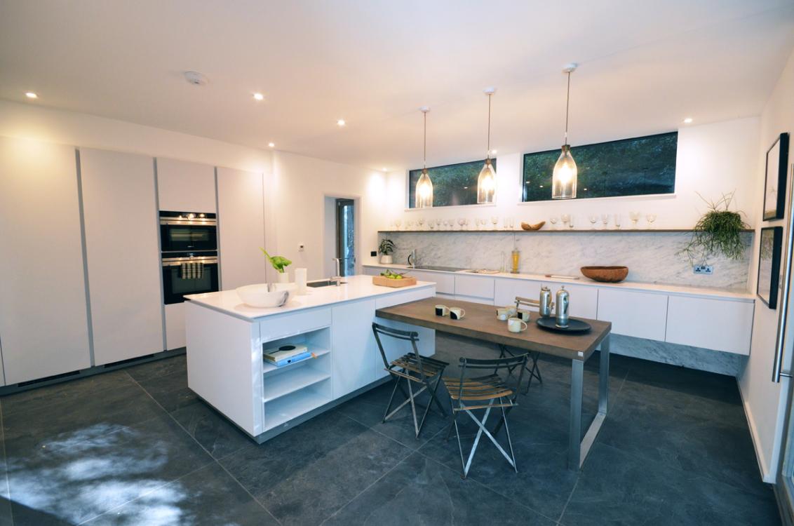 15-Kitchen-2.jpg