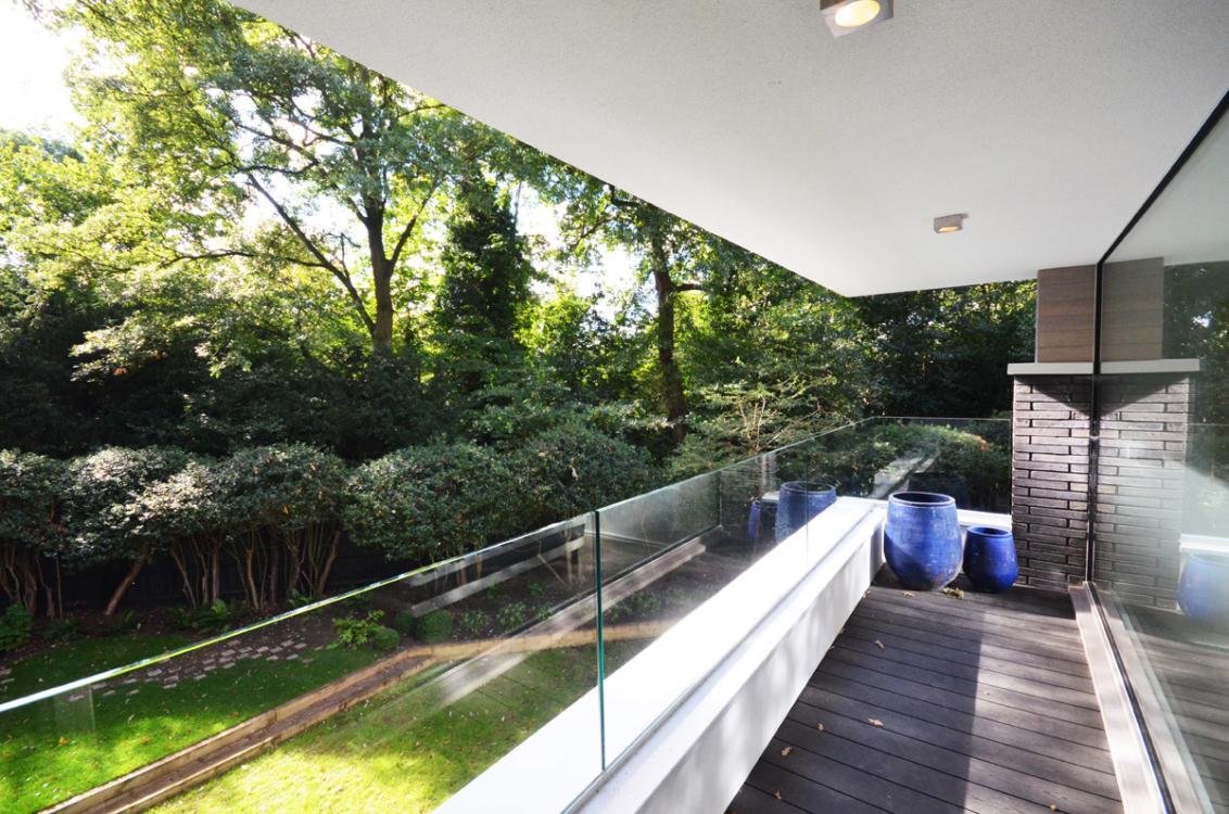 31-Balcony-2.jpg